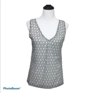 Kenneth Cole Reaction V neck sleeveless top